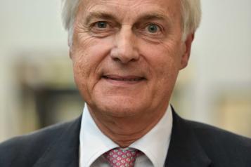 Head shot of Sir Robert Francis